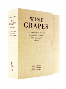 Wine Grapes by Jancis Robinson MW, Julia Harding MW and José Vouillamoz