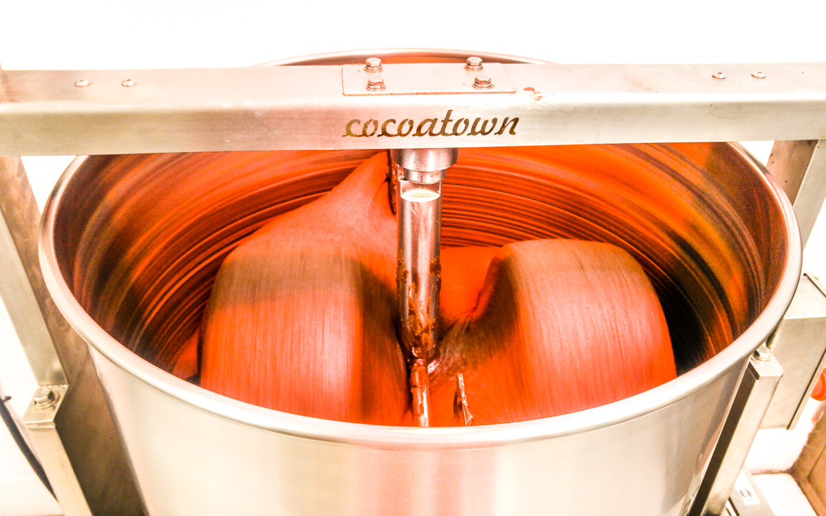 Damson Chocolate: Chocolate Grinding