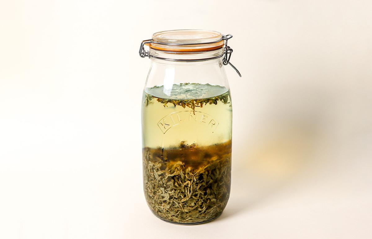Lalani & Co: Cold infusing tea